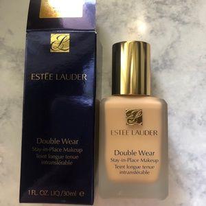 Estee Lauder Double Wear (Rattan 2W2)  BRAND NEW